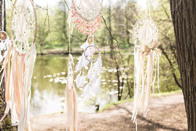 How-to-Organize-a-Boho-Chic-Wedding-wedding-decorations-outside-1