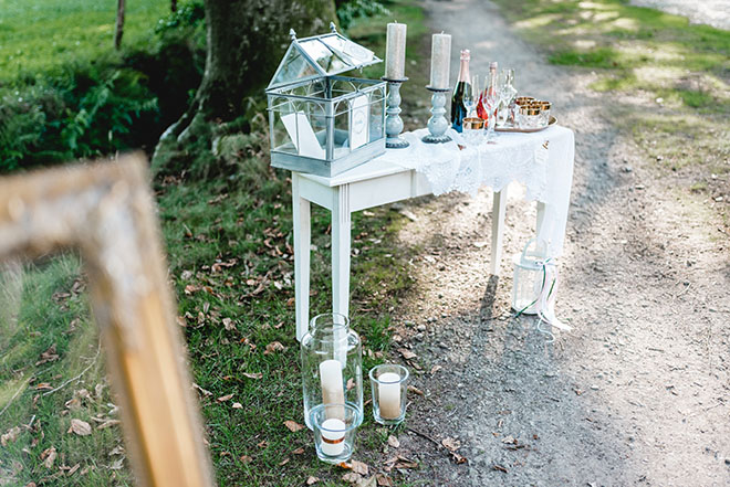 How-to-Organize-a-Boho-Chic-Wedding-wedding-decorations-outside-2