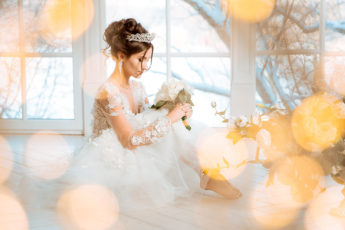 how-to-wear-a-short-wedding-dress-main-image