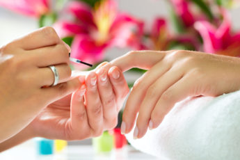 Manicure-mistakes-you-should-avoid-making-main-image