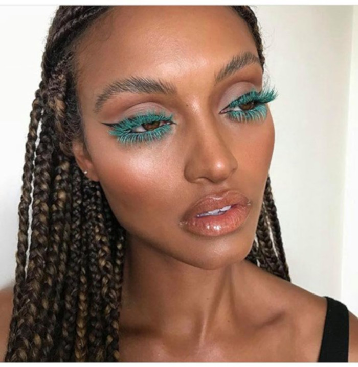All The Fun Ways to Wear Colored Mascara This Summer 3