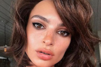 10-Short-Bob-Hairstyles-That-Will-Convince-You-To-Chop-Your-Hair-Emily-Ratajkowski