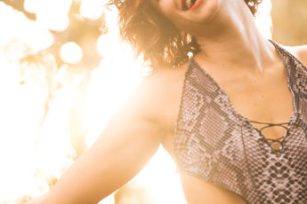 4-Ways-to-Rock-the-Animal-Print-Look-This-Summer-snake-skin-bathing-suit