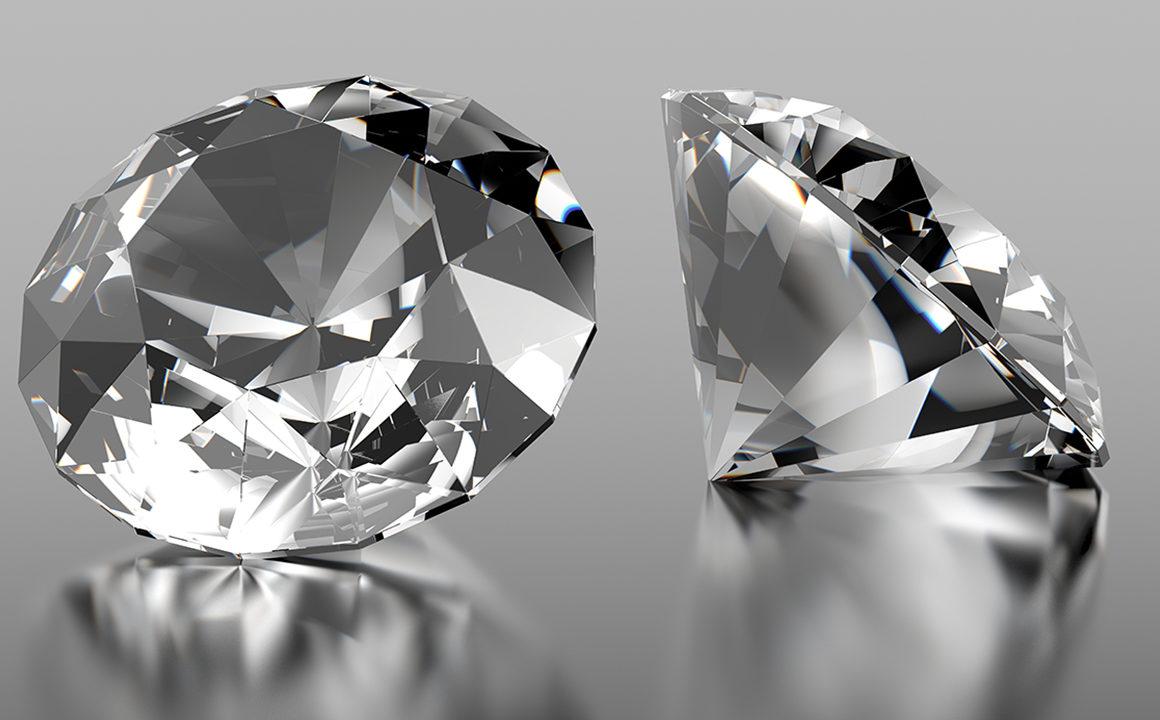 Six-Ways-to-Spot-Fake-Diamonds-fashionisers-main-image