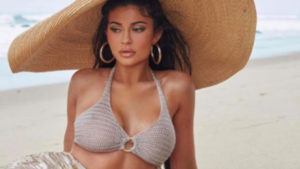 The trendiest swimsuits spotted on celebrities (6)