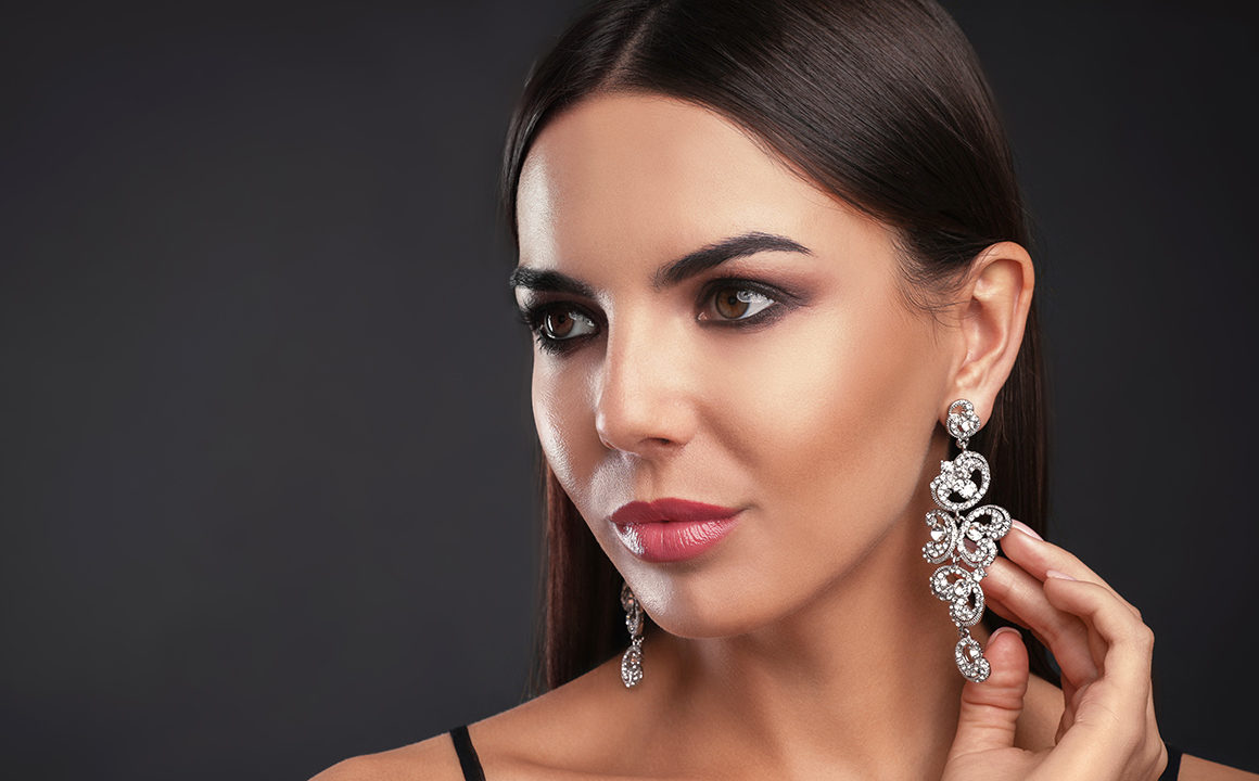 Tips-To-Consider-Before-Purchasing-Jewelry-main-image