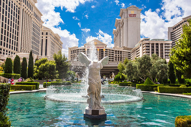 best-luxury-hotels-in-las-vegas-caesars-palace
