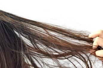 hair-loss-in-women-main-image-fashionisers