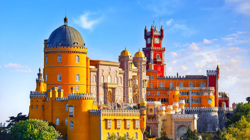 best-places-to-dress-up-in-lisbon-main-image