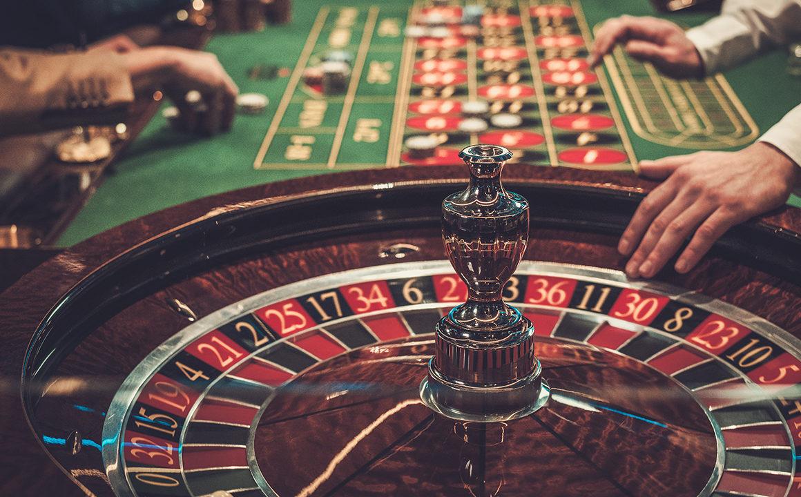 celebrities-who-also-enjoy-gambling-main-image