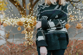 how-to-master-the-oversized-sweater-trend-main-image