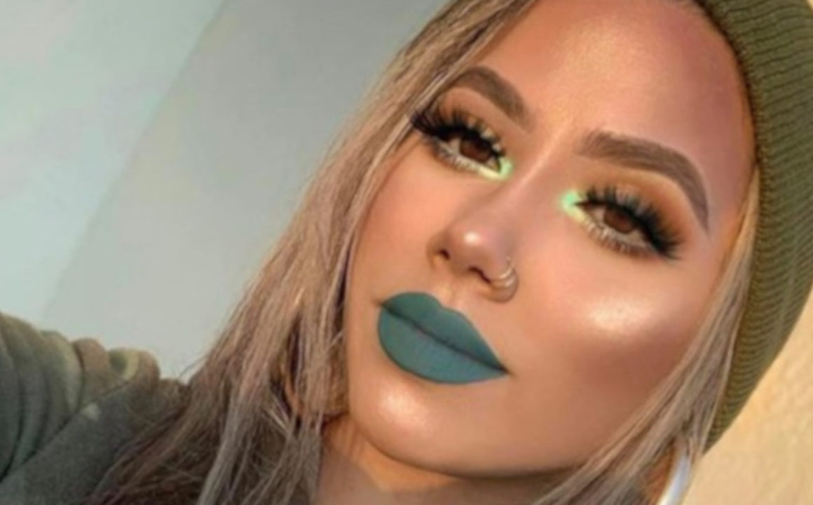 mint green makeup looks for fall