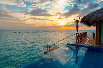vacation-options-to-travel-alone-to-main-image-fashionisers-asad-photo