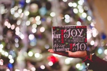 great-ways-to-do-christmas-shopping-on-the-cheap-main-image