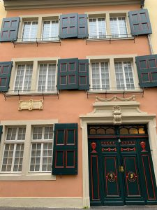 beethoven-house-front-what-to-do-in-bonn-to-celebrate-beethoven-malorie-mackey-viva-glam