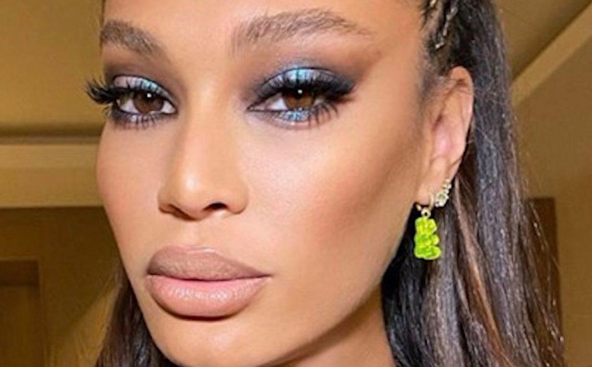 Celebrities Blue Makeup Trend