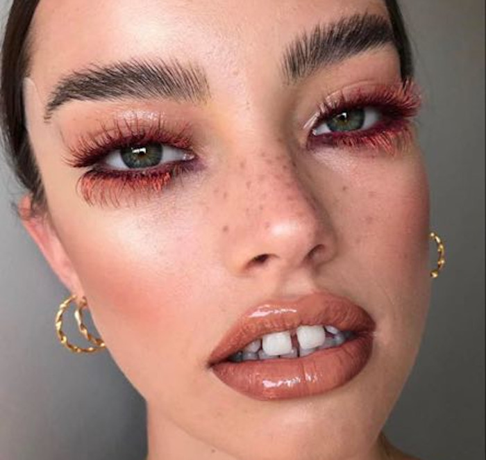 instagram makeup trends to try in real life - colored lashes