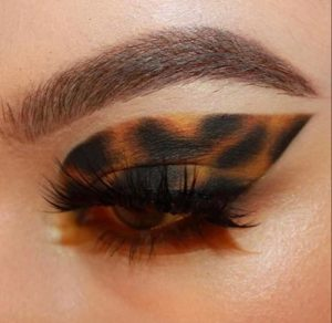 instagram makeup trends to try in real life - tortoiseshell makeup