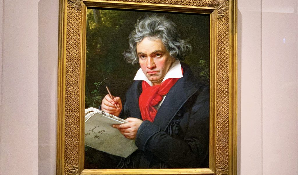 interesting-facts-you-dont-konw-about-beethoven-viva-glam-beethoven-painting-main-image