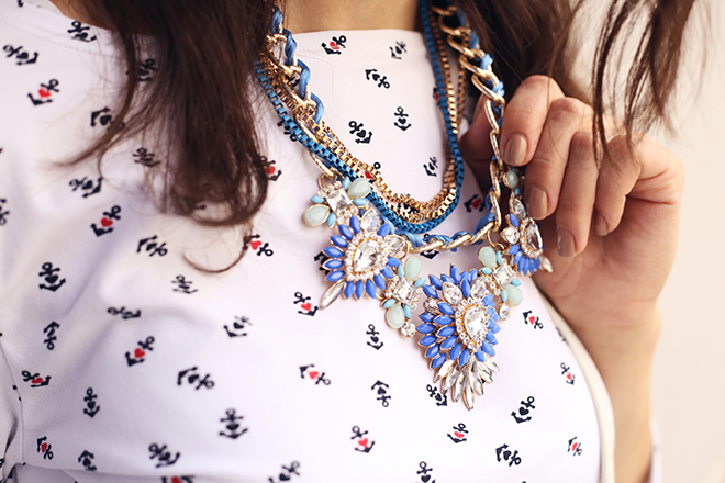 the-best-prints-and-patterns-for-plus-sized-women-print-and-accessory-styled-well-together
