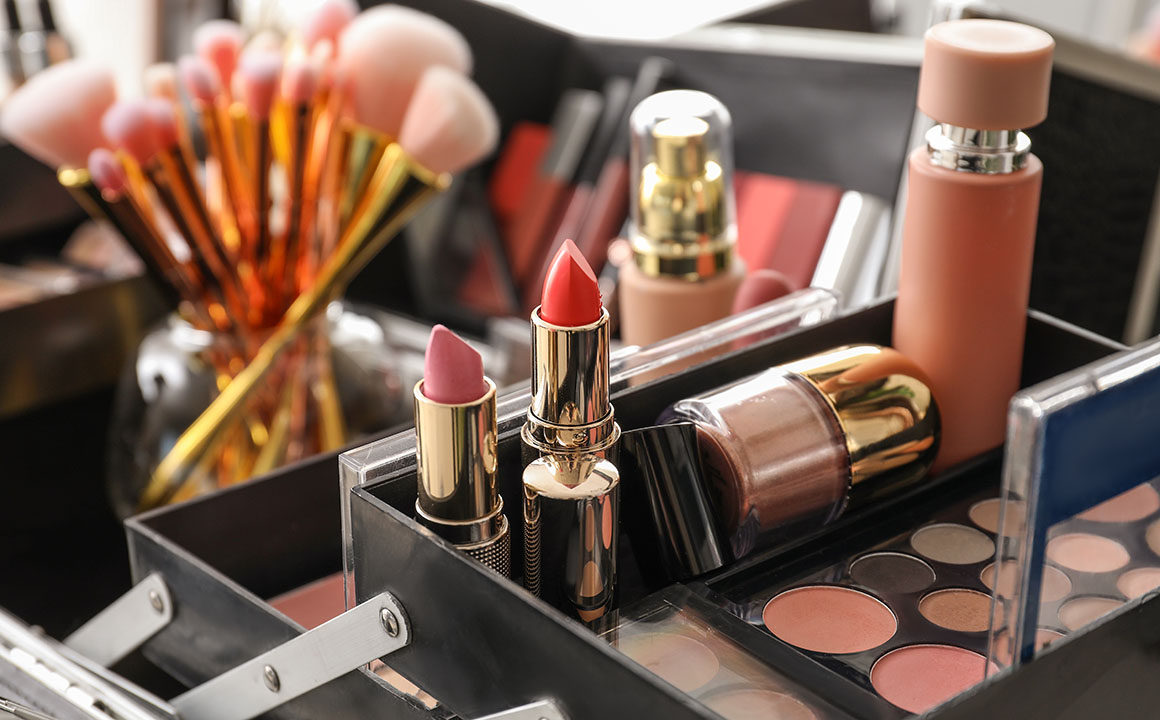 things-to-consider-when-choosing-proper-makeup-storage