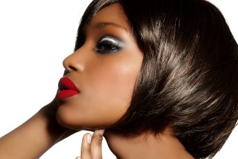 Things-To-Consider-When-Choosing-Wigs-To-Complete-Your-Overall-Look-main-image