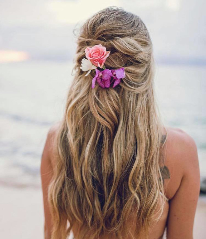 fresh ways to style your beachy waves this summer