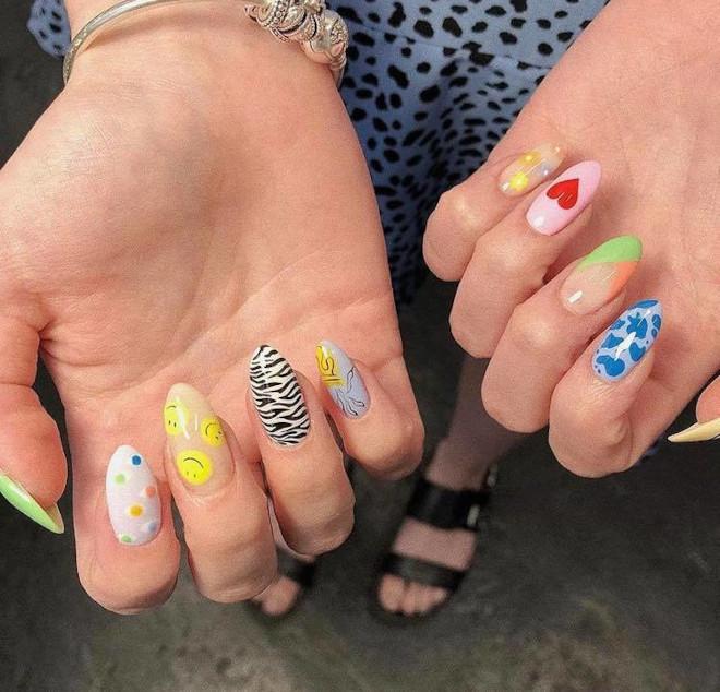 mismatched manicure is trending mismatched nails