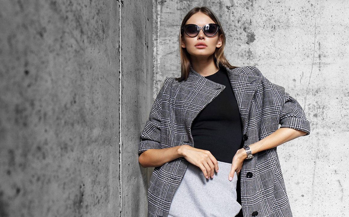 side-hustles-that-work-for-your-love-of-fashion-main-image-stylish-woman-in-fashion