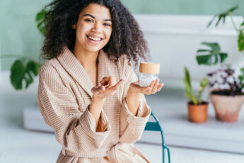 woman-using-best-skincare