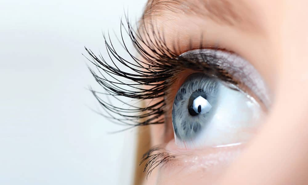 8-ways-to-get-longer-and-healthier-lashes-main-image2-2-1000x600
