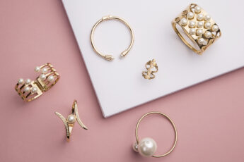 minimalist-jewelry-trends-jewelry-on-pink-background