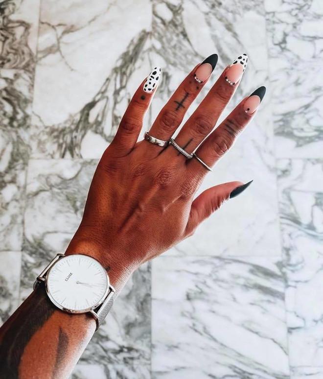 chic finger tattoos for women