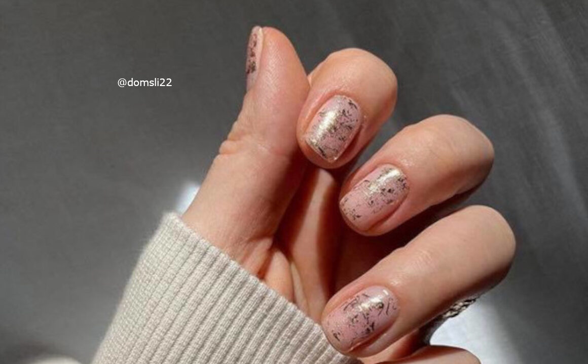 Minimal Barely-There Nails Are Trending
