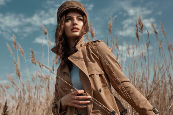 stylish-womens-jackets-girl-in-field-in-stylish-winter-clothing
