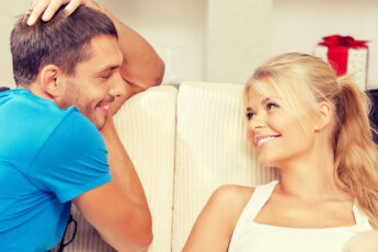 tips-to-keep-an-active-love-life-in-quarantine-couple-flirting-indoors-main-image