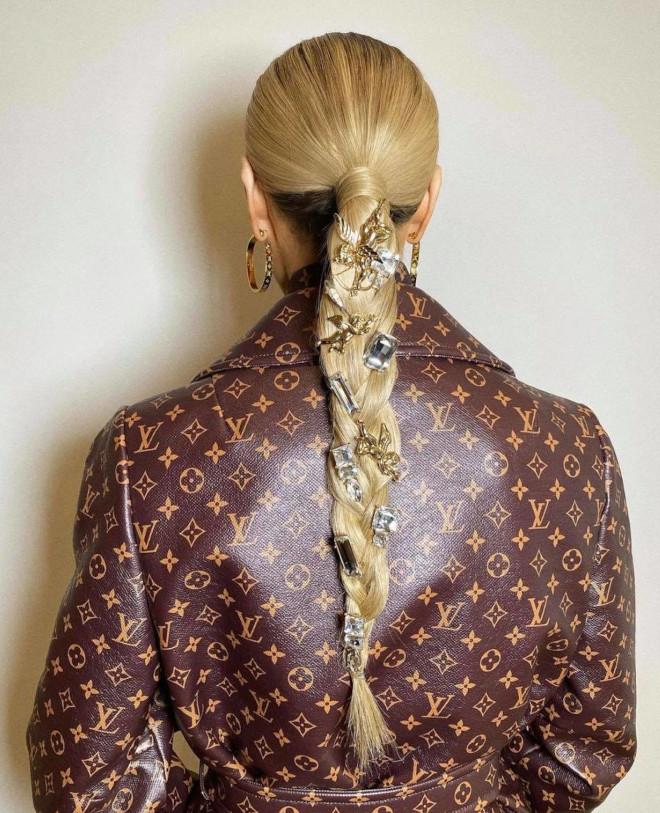 ways to dress your ponytail