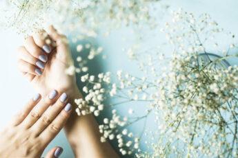 how-to-apply-sparkily-nail-polish-right-way