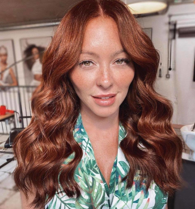 cinnamon hair is the hair trend that will warm up your winter days