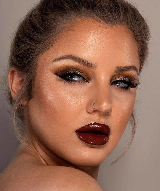 seductive vampy makeup looks for winter