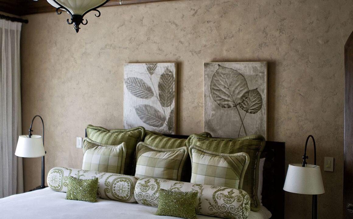 book-serviced-apartment-tropical-indoor-bedroom