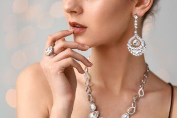 personalized-jewelry-from-a-jeweler-woman-in-fine-jewels-main-image.