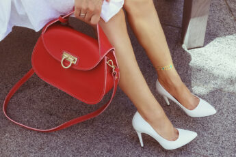 tips-for-launching-clothing-business-at-home-main-image-accessories