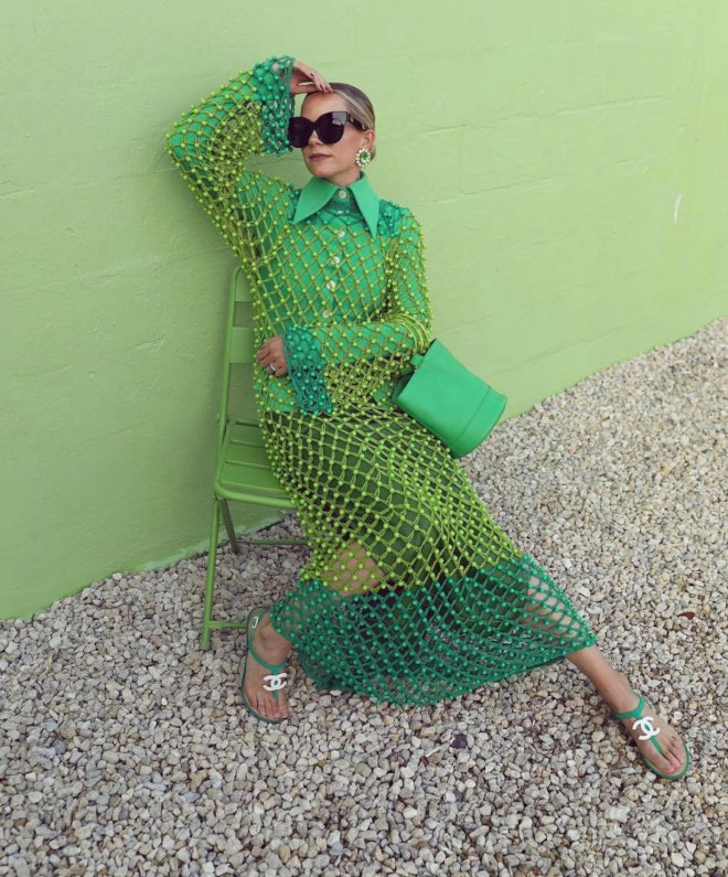 go green - fashionista-approved ways to embrace the green outfits trend