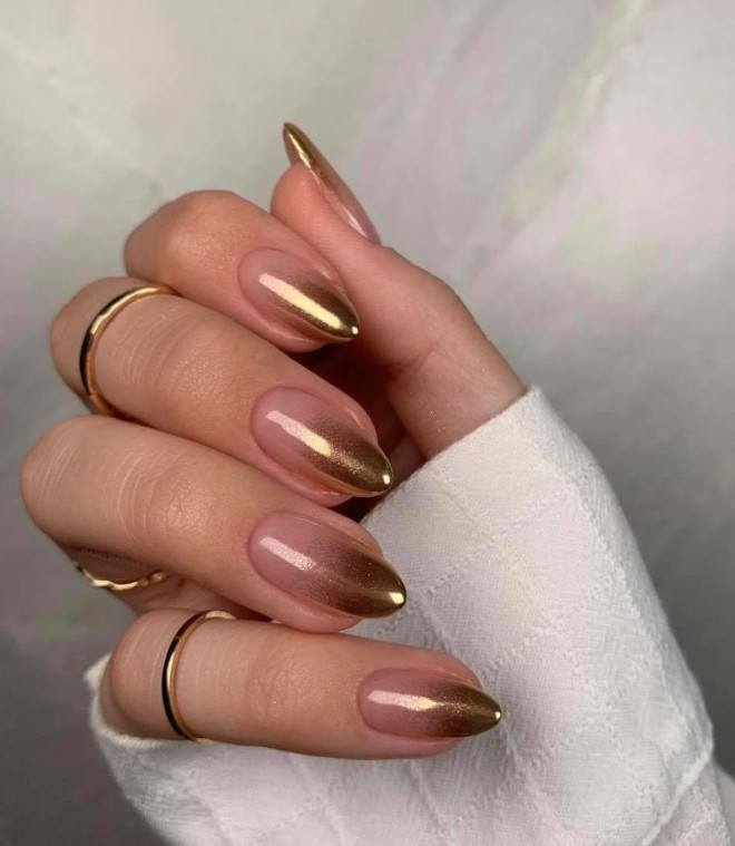 short french manicure ideas for a classy look