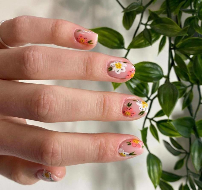 these floral nail designs are perfect for spring