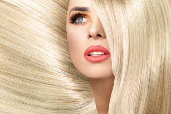 tips-for-healthy-hair-woman-with-voluminous-blonde-hair