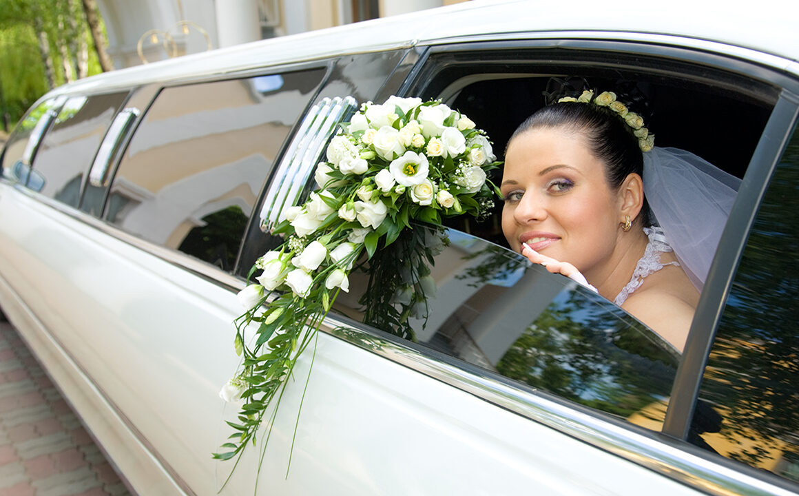 prepare-the-night-before-your-wedding-bride-in-limo