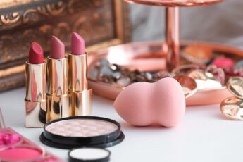 pros-and-cons-of-investing-in-beauty-franchise-makeup-tools-laid-out