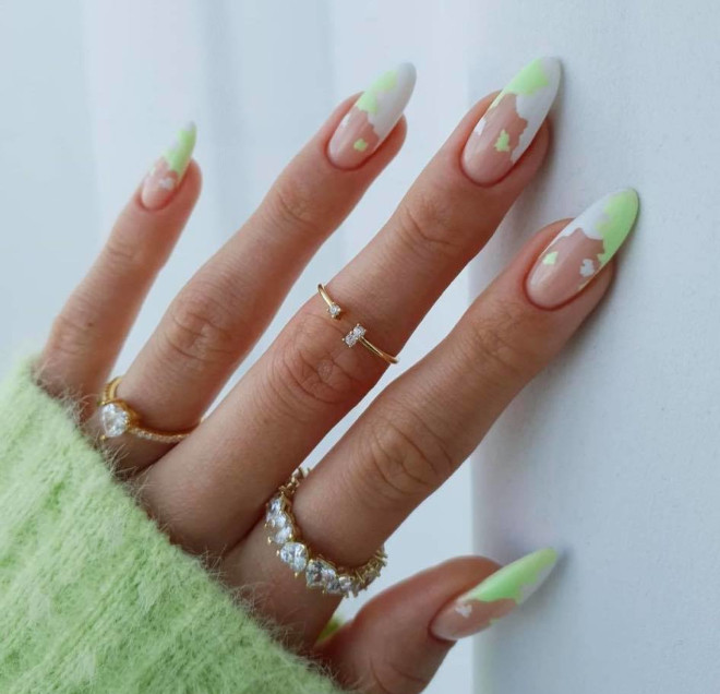 refresh your spring looks with pastel nails